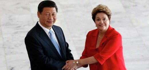 Xi Jinping junto a Dilma Rousseff, presidenta de Brasil