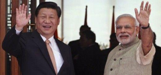 Xi Jinping, presidente chino, junto al primer ministro indio, Narendra Modi