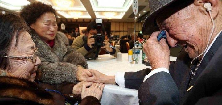 Reunión de familiares separados por la guerra de Corea (1950-53), en febrero de 2014