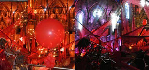 Burning Universo, obra de Ángel Orensanz, ubicada en la entrada del Museo de la Paz de Hiroshima